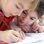 小学校で英語が必修へ。うちの子が何年生から、どう変わるの?
