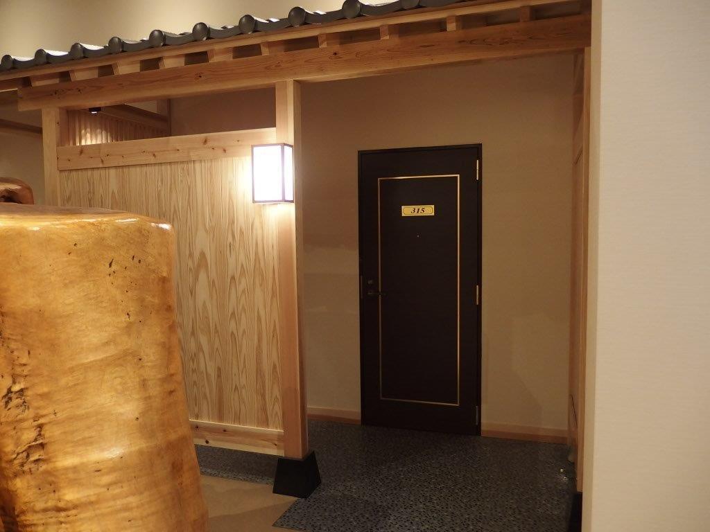 みかどホテル部屋入口