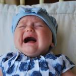 赤ちゃんの人見知り。親戚や周りの「余計な一言」への対処法は?