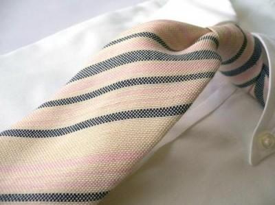 ストライプのネクタイ