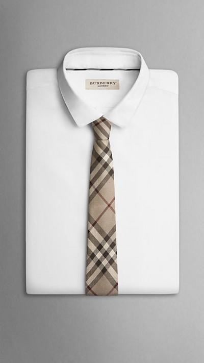 父の日バーバリーのネクタイを