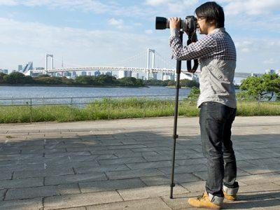 カメラを撮るパパ