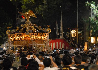 鳥越祭の御神輿