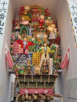 博多華丸大吉の飾り山