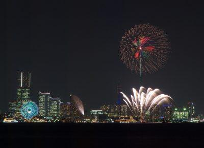 花火と観覧車(横浜)