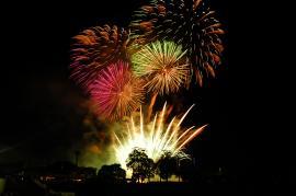 naka-sunflower-fes-fireworks