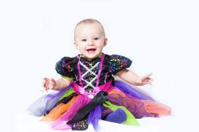 ハロウィンの仮装をした女の子の赤ちゃん(プリンセス)