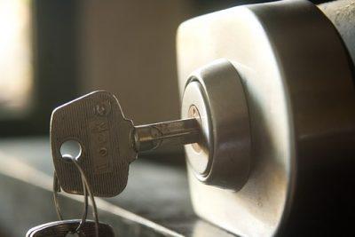 鍵をしている金庫